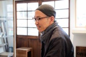 町田顕彦さん、少し笑み