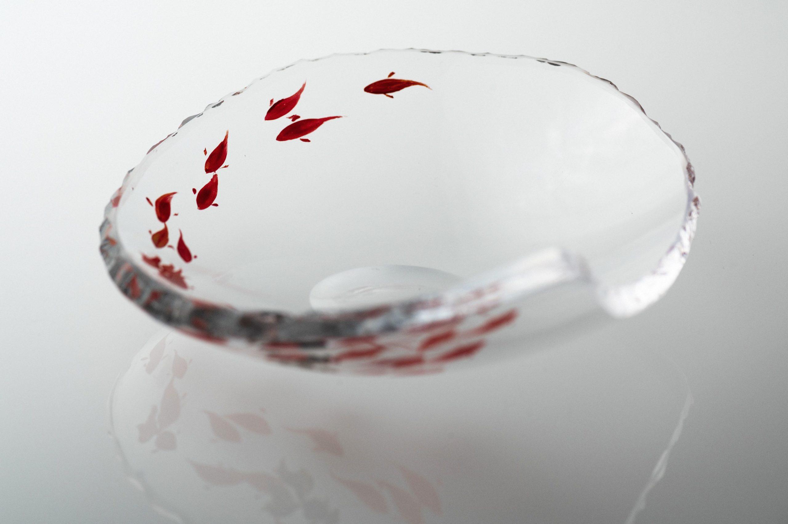 漆工芸家 江藤雄造氏による漆と貴島雄太朗のガラス|銘々皿+金魚